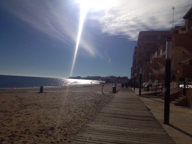 La Mata strandpromenaden.
